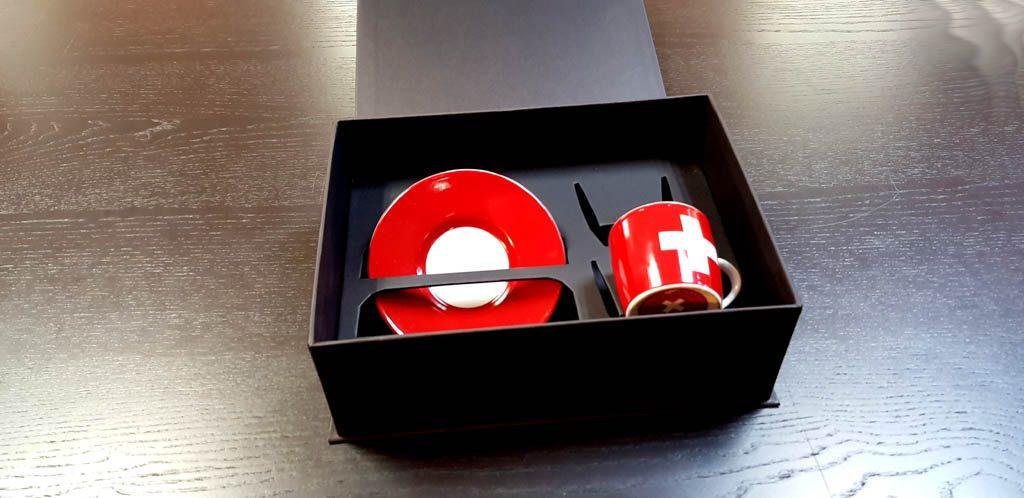 Cutie rigida cu magnet pentru set cesti (4)