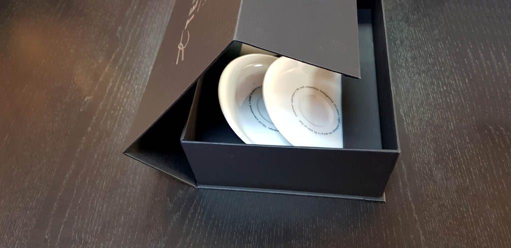 Cutie rigida cu magnet pentru set cesti (8)