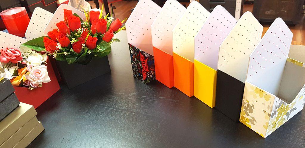 Cutie rigida in forma de plic pentru flori (17)