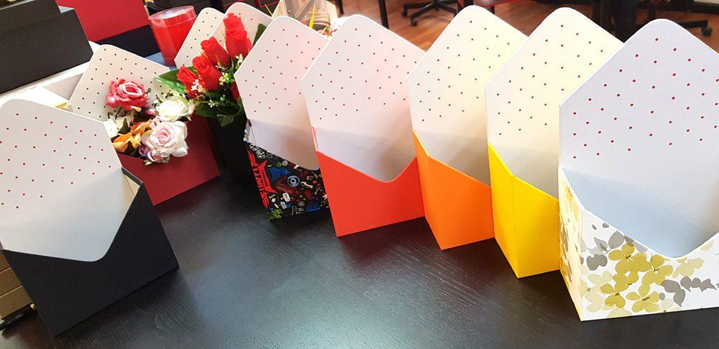 Cutie rigida in forma de plic pentru flori (19)