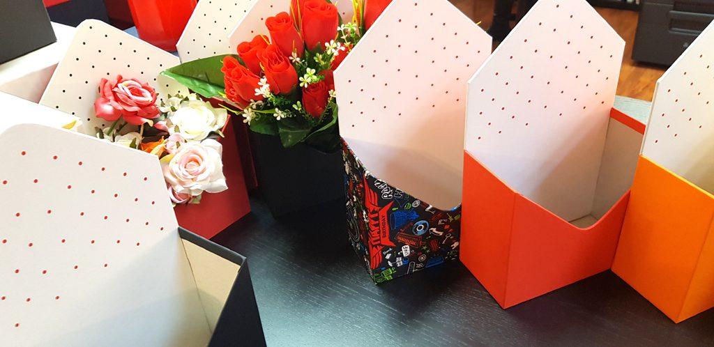 Cutie rigida in forma de plic pentru flori (20)