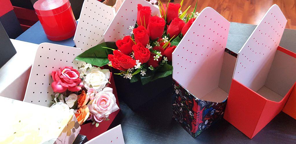 Cutie rigida in forma de plic pentru flori (21)