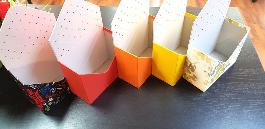 Cutie rigida in forma de plic pentru flori (23)