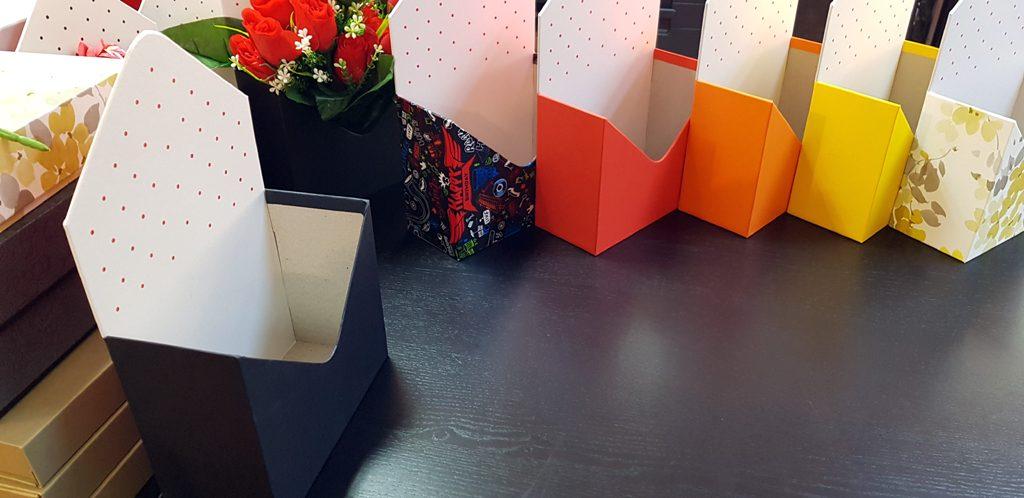 Cutie rigida in forma de plic pentru flori (24)