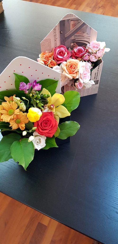 Cutie rigida in forma de plic pentru flori (4)
