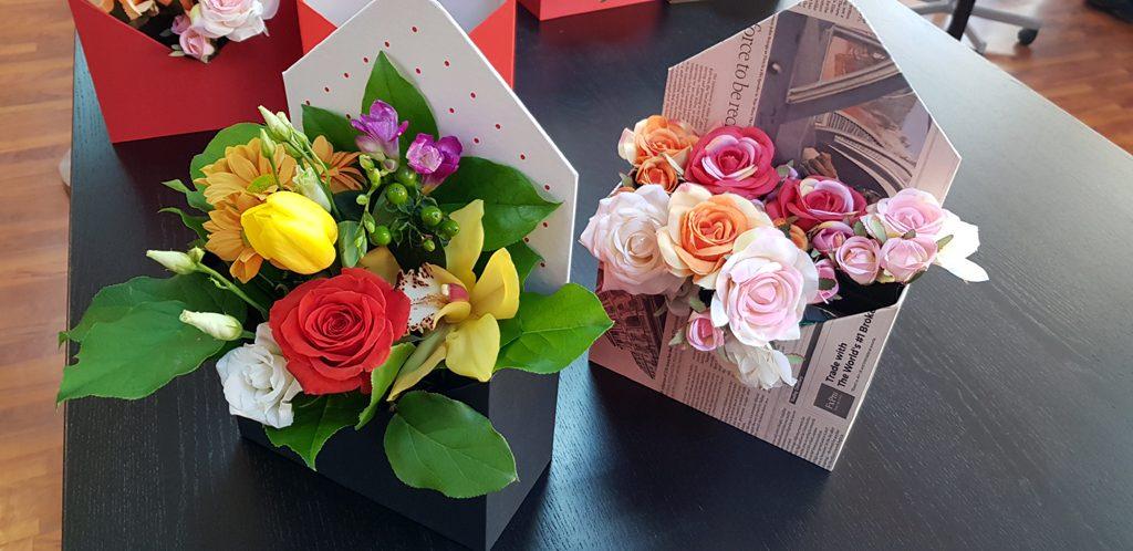 Cutie rigida in forma de plic pentru flori (5)