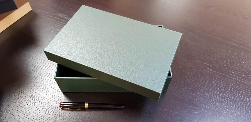 Cutie rigida pentru cadouri (2)