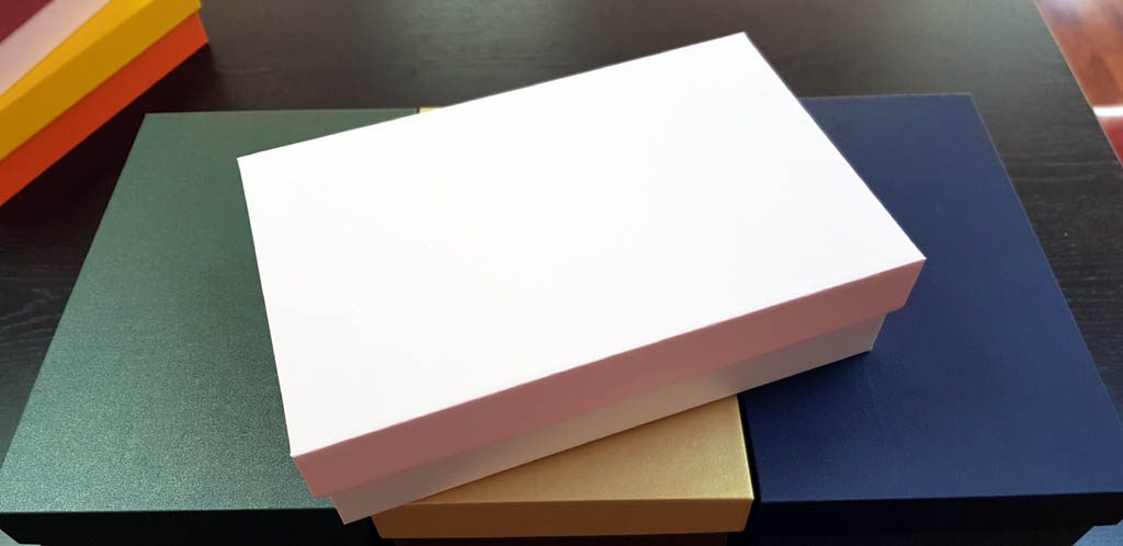 Cutie rigida pentru cadouri (25)
