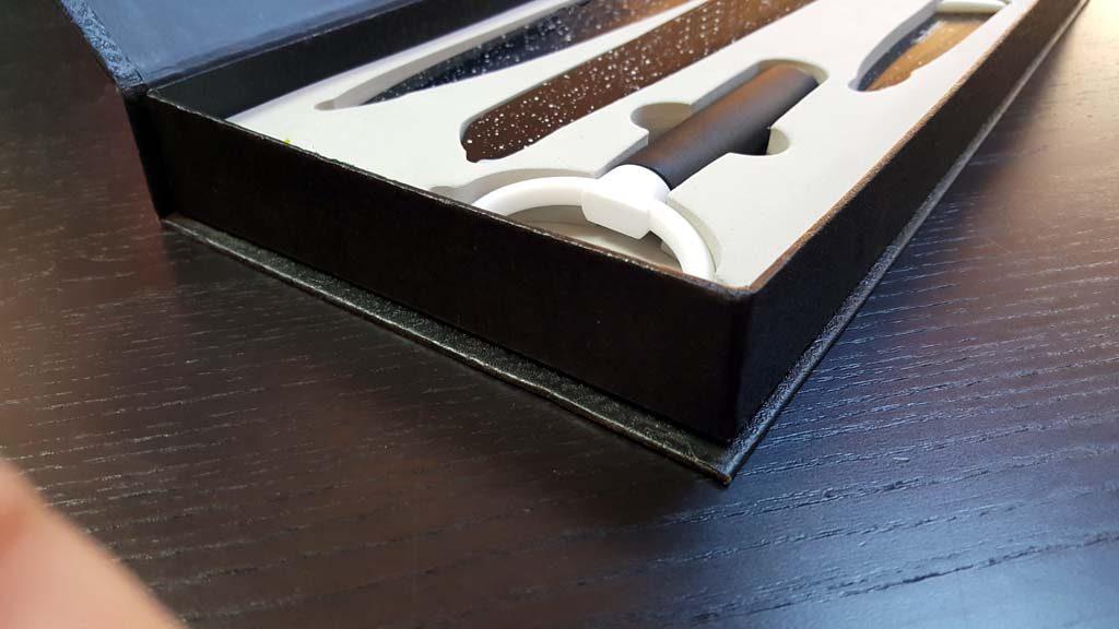 Cutie rigida pentru tacamuri (2)