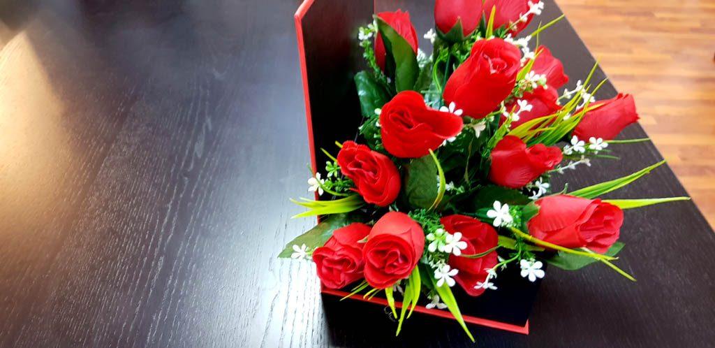 Cutie rigida tip carte pentru flori (2)