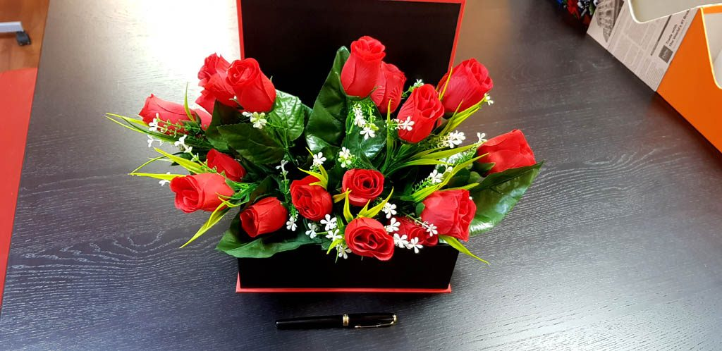 Cutie rigida tip carte pentru flori (3)