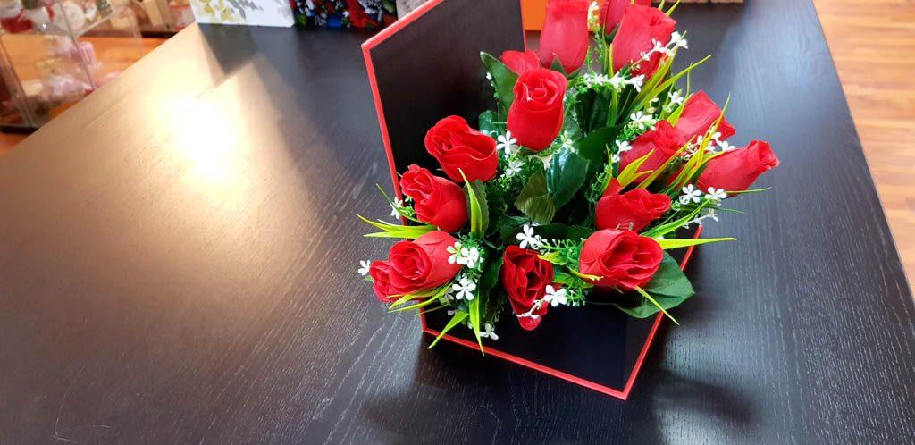 Cutie rigida tip carte pentru flori (30)
