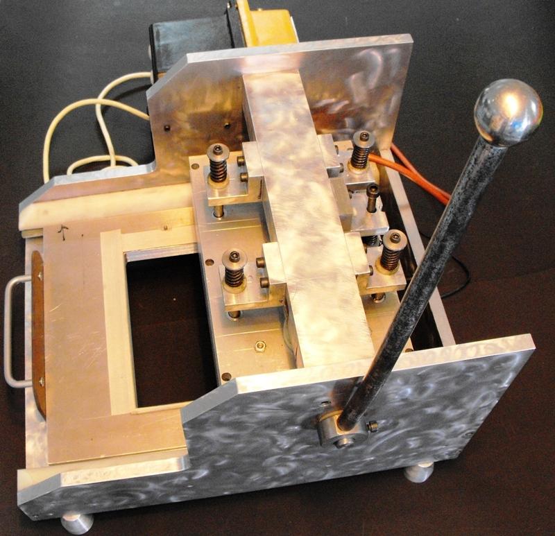 Masina de lipit blistere sticla (1)