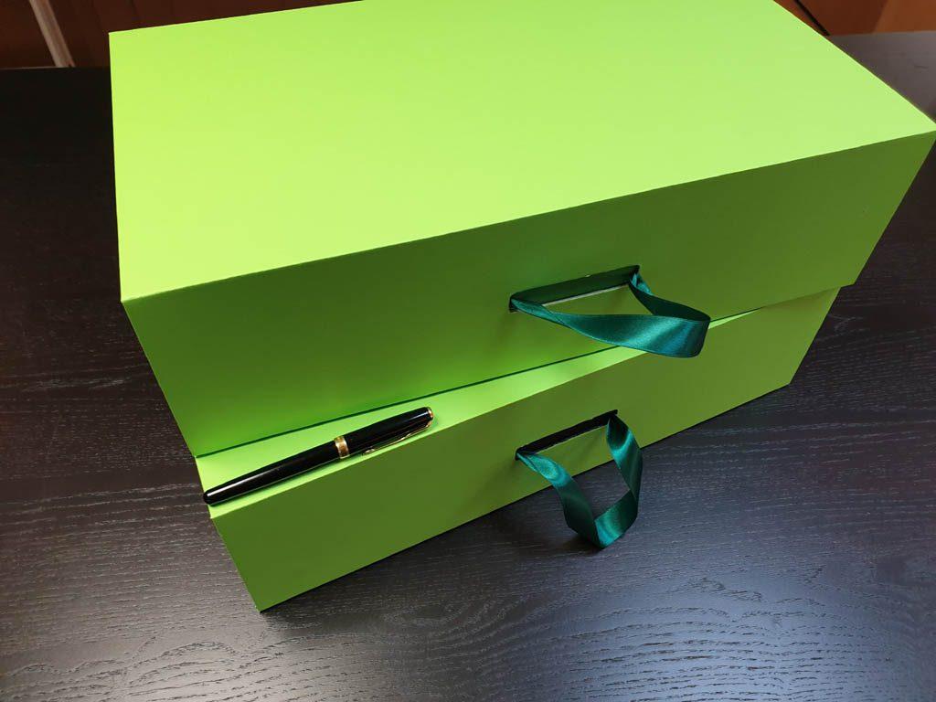 Cutii Rigide Rezistente Din Mucava Cu Magnet Pentru Cadouri (model 60930 (1)