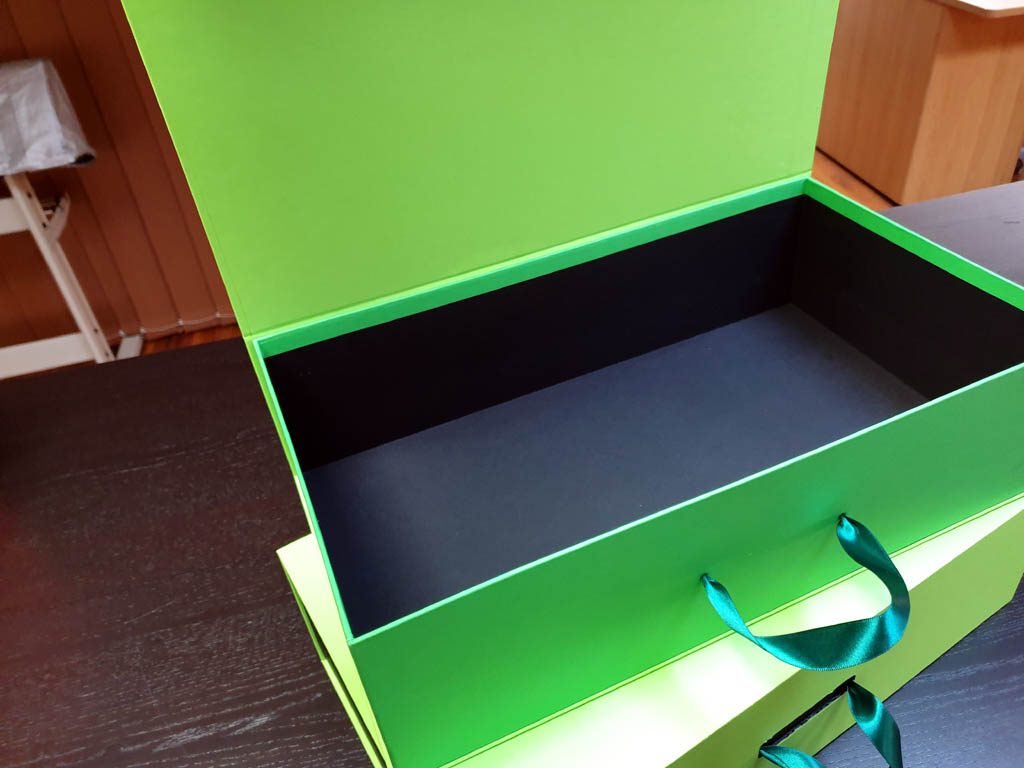 Cutii Rigide Rezistente Din Mucava Cu Magnet Pentru Cadouri (model 60930 (5)