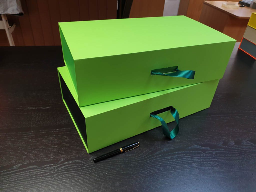Cutii Rigide Rezistente Din Mucava Cu Magnet Pentru Cadouri (model 60930 (6)