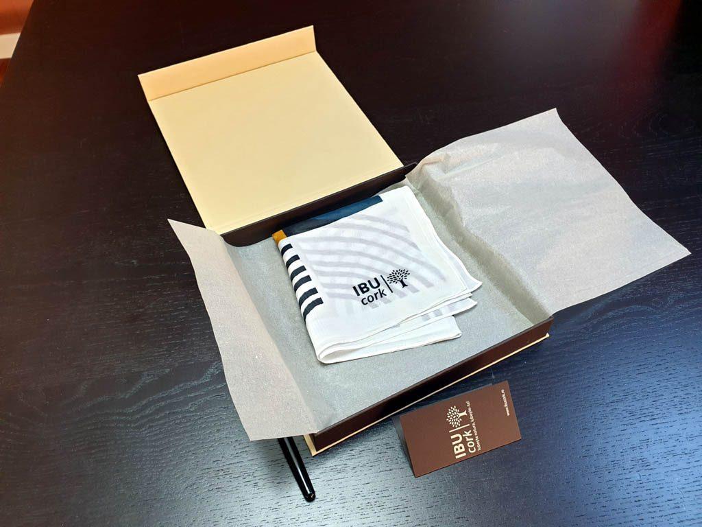 Cutii Rigide Rezistente Din Mucava Cu Magnet Pentru Esarfe (model 6100) (11)