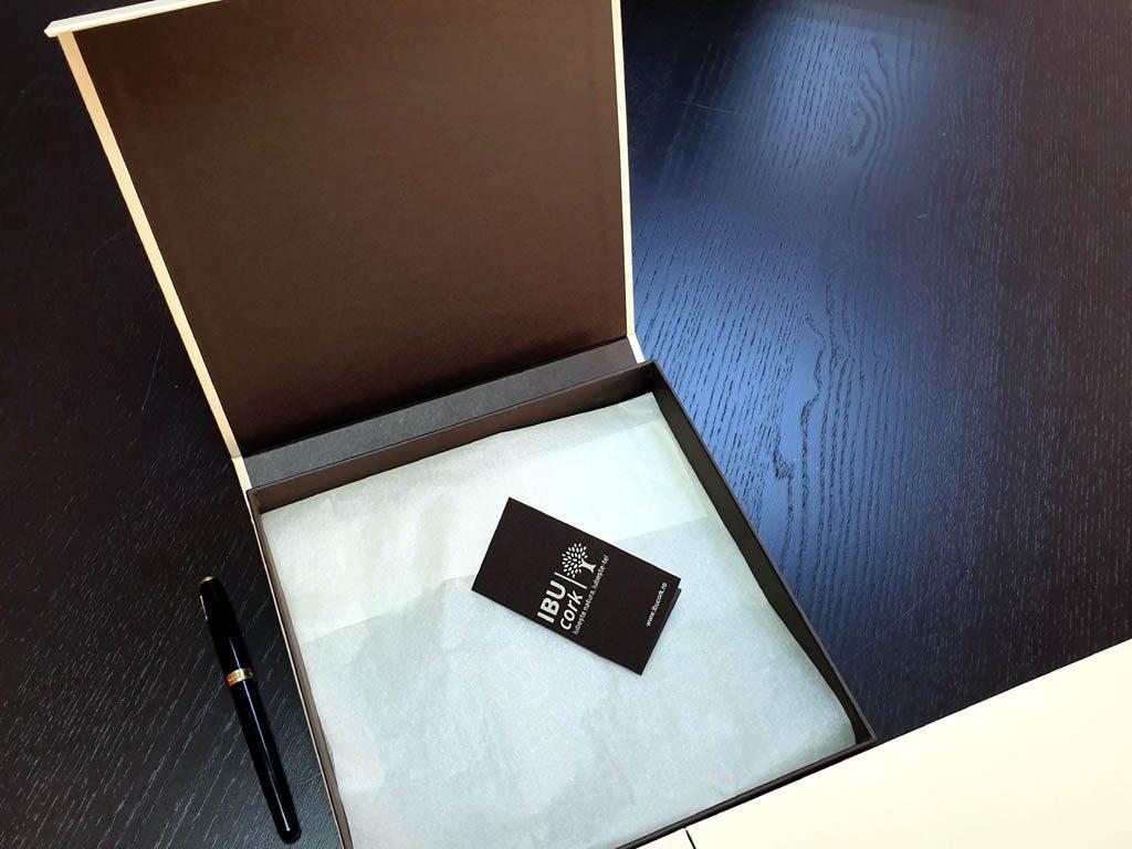 Cutii Rigide Rezistente Din Mucava Cu Magnet Pentru Esarfe (model 6100) (13)