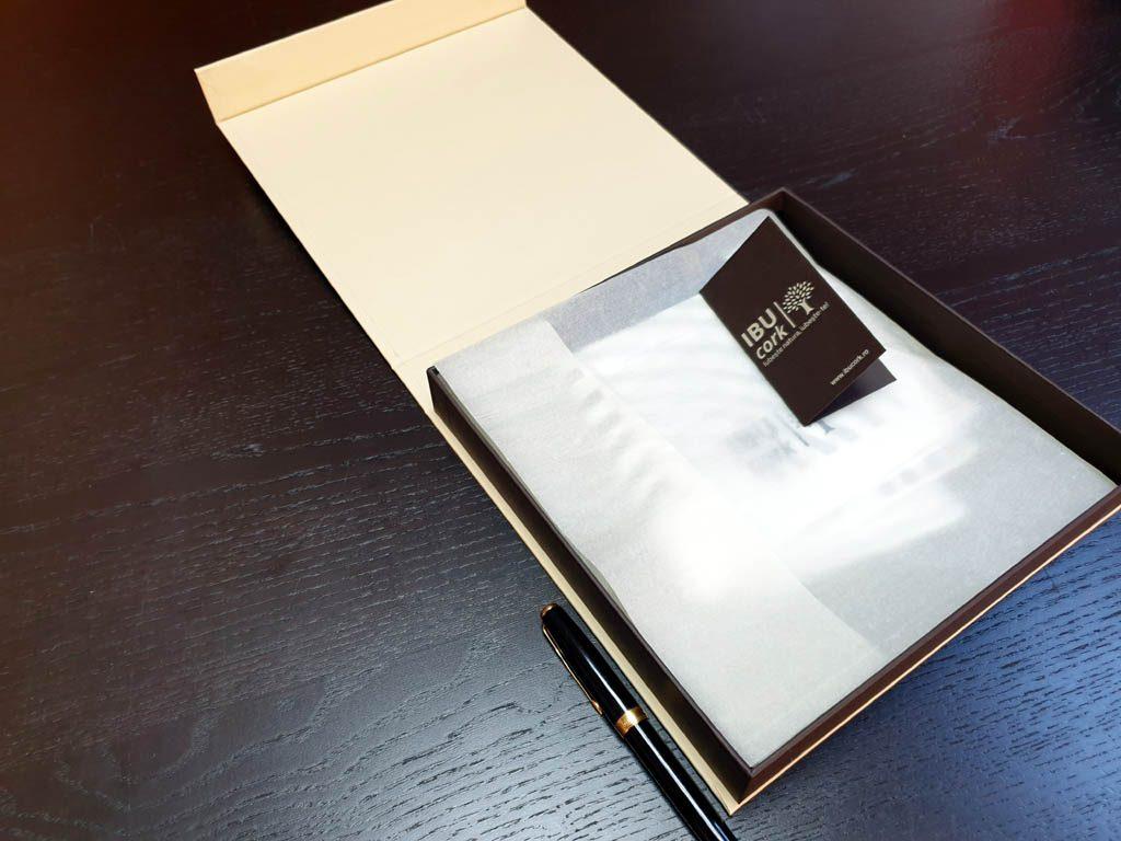Cutii Rigide Rezistente Din Mucava Cu Magnet Pentru Esarfe (model 6100) (2)