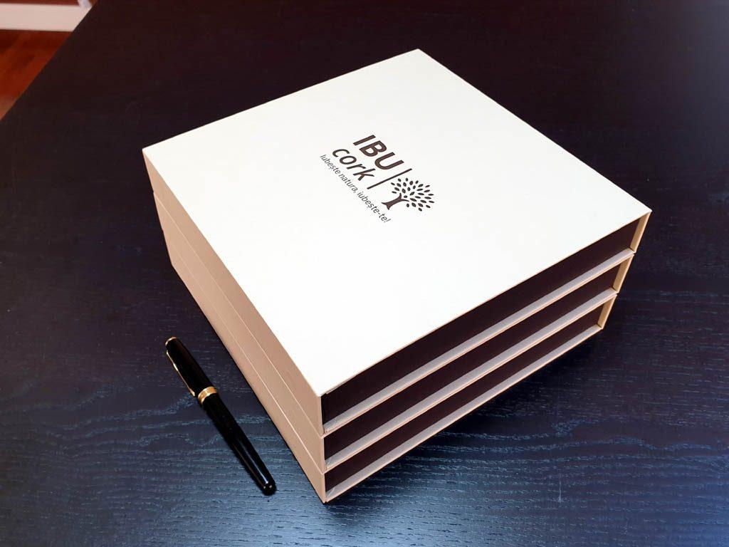 Cutii Rigide Rezistente Din Mucava Cu Magnet Pentru Esarfe (model 6100) (7)