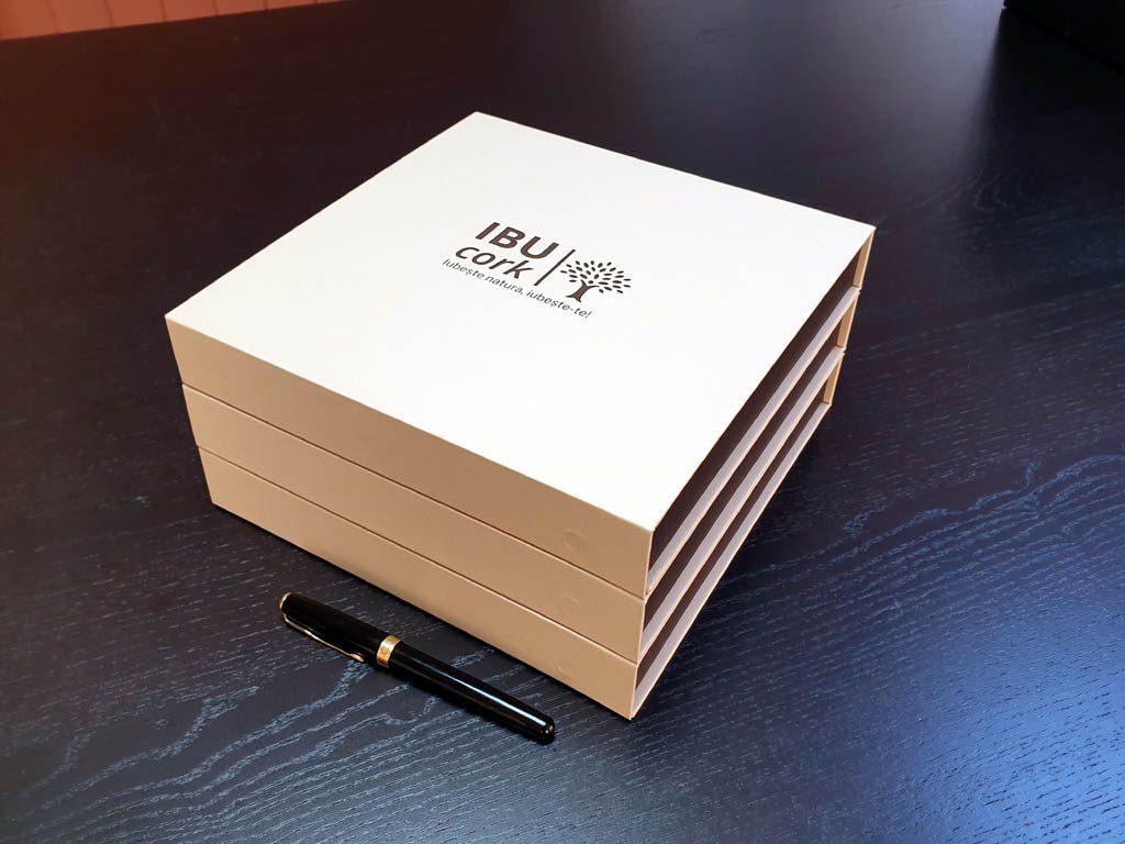 Cutii Rigide Rezistente Din Mucava Cu Magnet Pentru Esarfe (model 6100) (9)