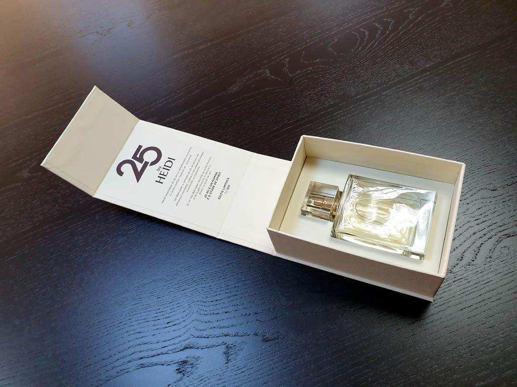 Cutii Rigide Rezistente Din Mucava Cu Magnet Pentru Parfum (model 6096) (10)