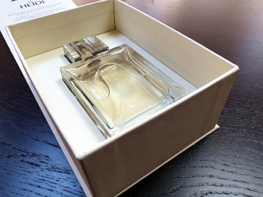 Cutii Rigide Rezistente Din Mucava Cu Magnet Pentru Parfum (model 6096) (20)