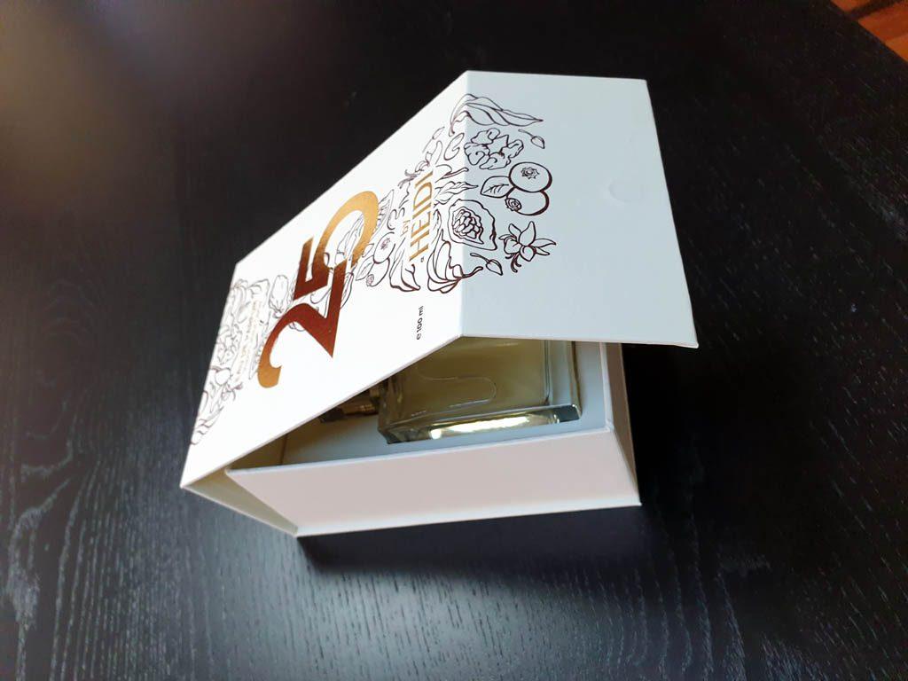 Cutii Rigide Rezistente Din Mucava Cu Magnet Pentru Parfum (model 6096) (4)
