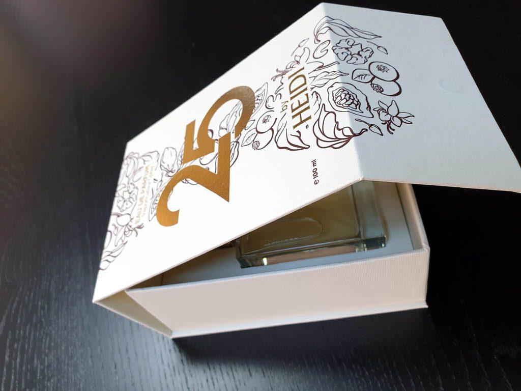 Cutii Rigide Rezistente Din Mucava Cu Magnet Pentru Parfum (model 6096) (6)