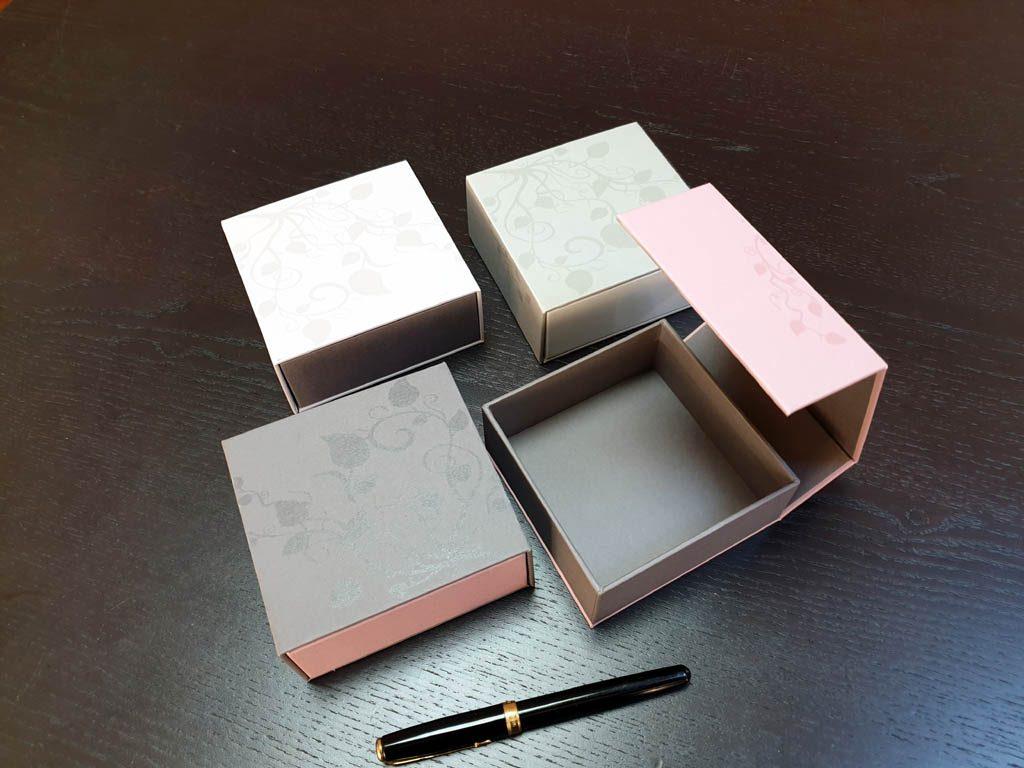 Cutii Rigide Rezistente Din Mucava cu magnet pentru accesorii (model 6098) (10)