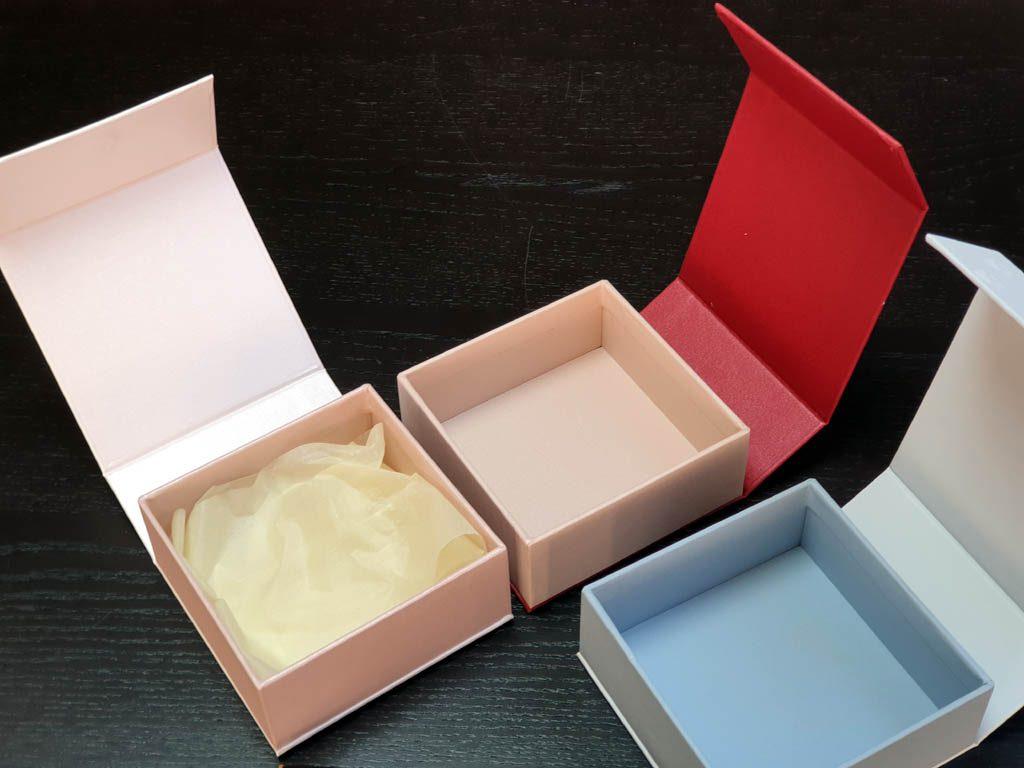 Cutii Rigide Rezistente Din Mucava cu magnet pentru accesorii (model 6098) (5)