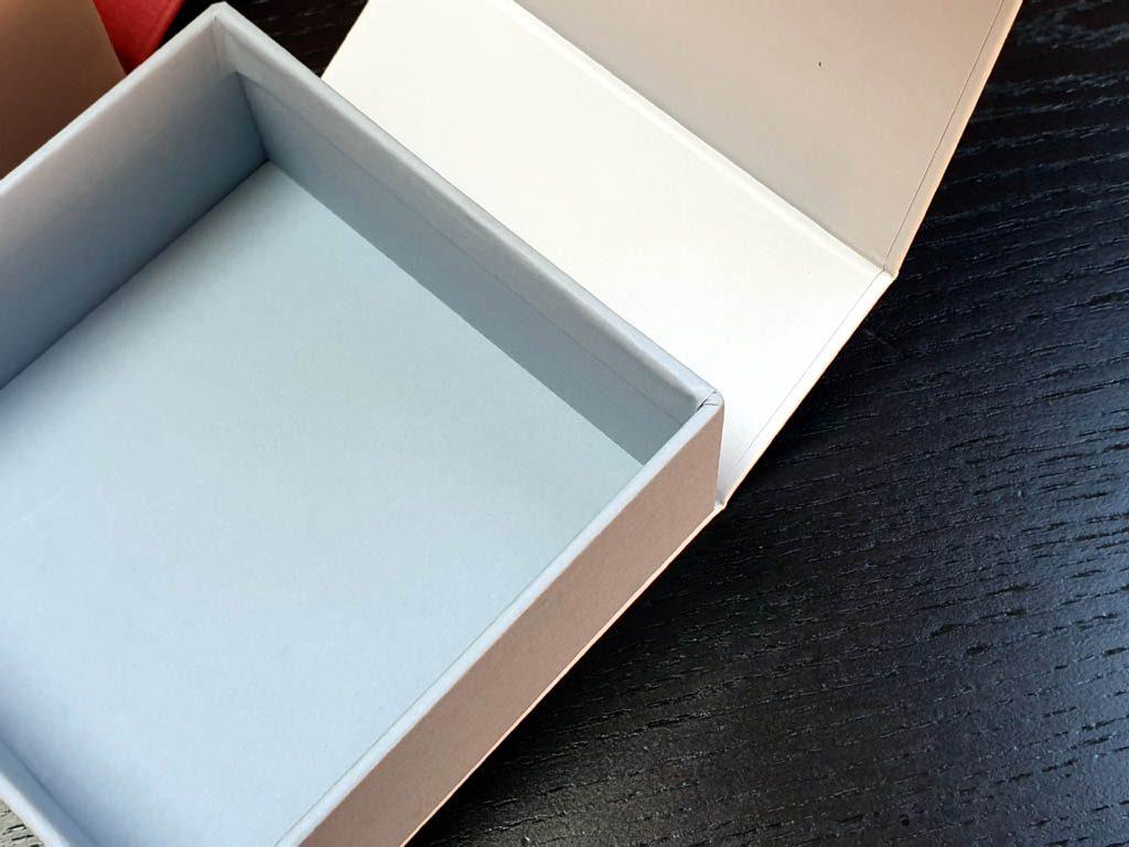 Cutii Rigide Rezistente Din Mucava cu magnet pentru accesorii (model 6098) (8)