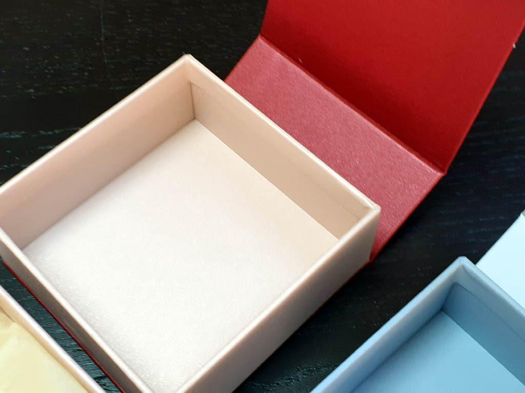 Cutii Rigide Rezistente Din Mucava cu magnet pentru accesorii (model 6098) (9)
