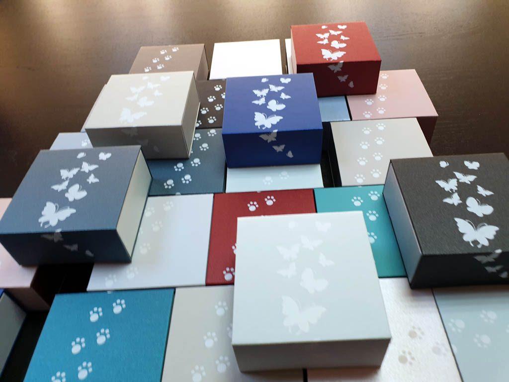 Cutii rigide rezistente din mucava cu magnet pentru bijuterii, amulete (1)