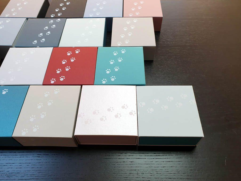 Cutii rigide rezistente din mucava cu magnet pentru bijuterii, amulete (5)