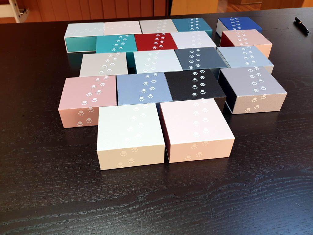 Cutii rigide rezistente din mucava cu magnet pentru bijuterii, amulete (7)