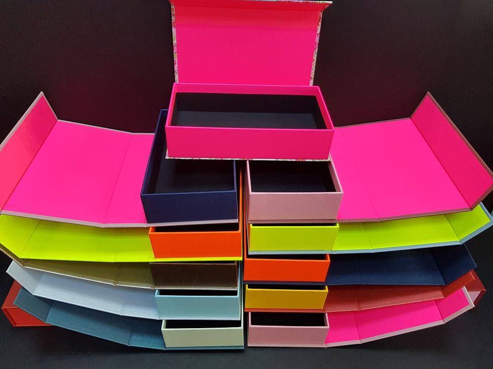 Cutii colorate cu magnet (model 6081) (13)
